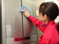 house-cleaning-kitchen-pulizia_refrigerator